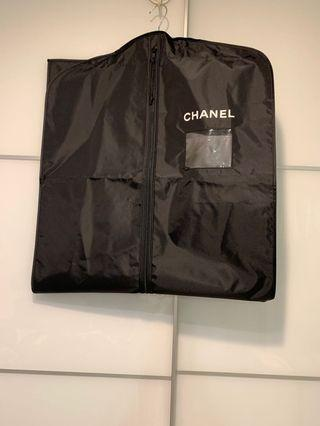 100% new & real Chanel long nylon garment bag Chanel尼龍掛衫袋