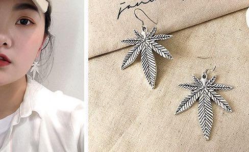🚚 Silver Weed Design Earring BNIB #EndgameyourExcess