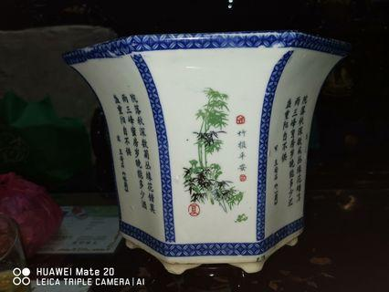 Antique chinese vase (octagon)