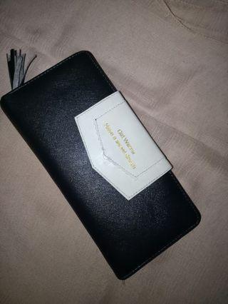 Dompet panjang lipat