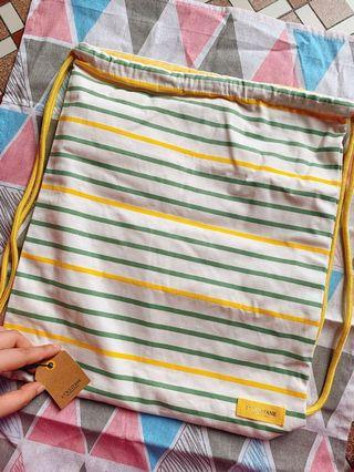 L'OCCITANE  drawstring bag/間條索繩袋