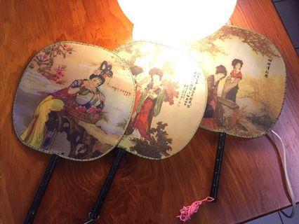 《公益換物》古代美人圖騰紗-手工搖扇
