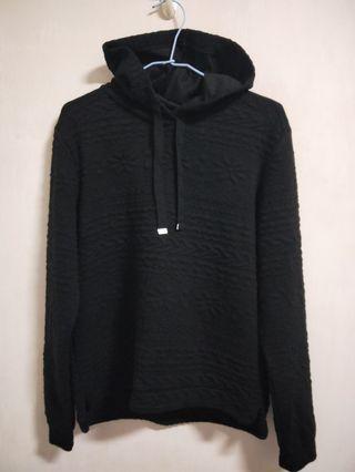 🚚 二手衣 H&M 黑色壓紋長袖帽T(S號)
