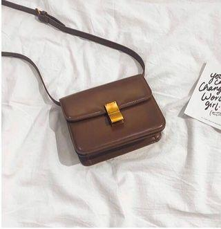 🚚 Brown retro small box bag #ENDGAMEyourEXCESS