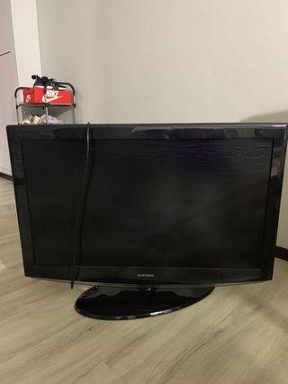 "Used SAMSUNG 40"" LCD HDTV"