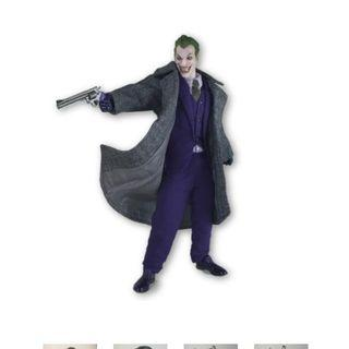Mezco Joker Grey Coat by Eriku