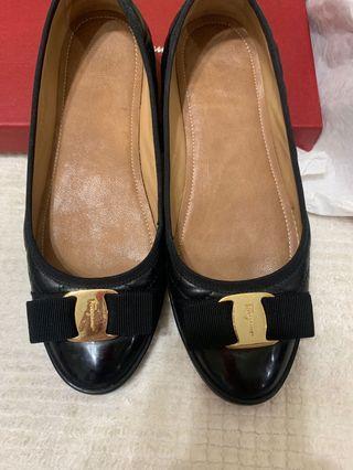 真品Ferragamo 黑色包鞋