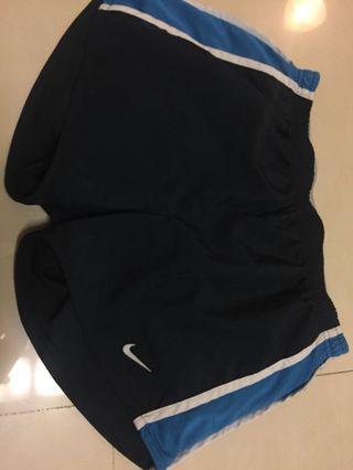 🚚 Nike 短褲 M