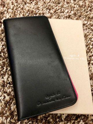 全新Agnes b黑皮長銀包,紫紅襯𥚃,美觀實用 Brand new agnes b long wallet, black leather with purple pink inner face, elegant and practical
