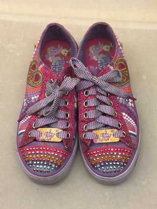 🚚 Skechers 女童休閒鞋