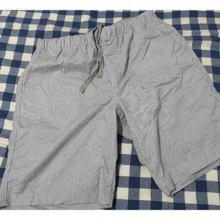 Uniqlo shorts, Size M