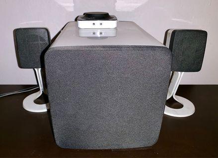 Dell surround speakers 2 satellite speakers + 1 woofer