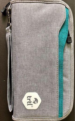 c8b52e8a650 Travel Wallet Passport Holder 6 card cases 25x12cm