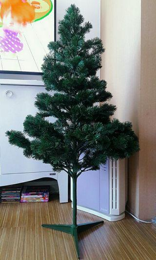 Antique/Vintage (YEAR 1997) 4ft. Sasha Fir Tree