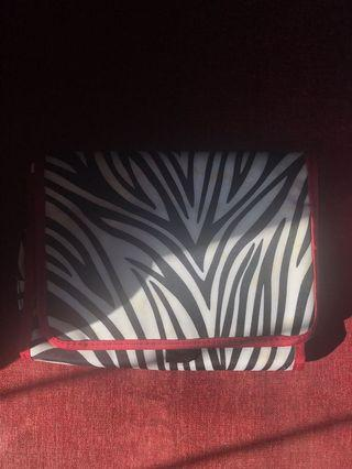 [PRELOVED] Makeup Pouch