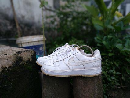 Sepatu sneaker nike air force f1 original size 41