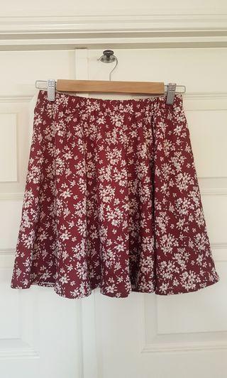 Cute floral skirt- dotti