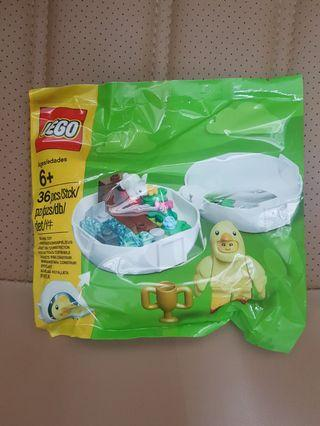 Lego chick Minifig