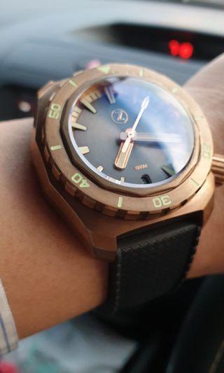 Zelos Hammerhead Bronze grey dial