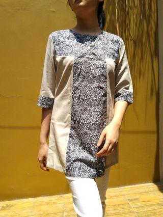 Batik T grey