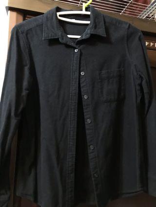 🚚 黑色長袖襯衫 (偏厚)