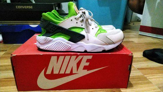 info for c31b7 2f41e Nike Air Huarache Action Green Vivid Orange UNISEX
