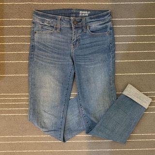 🚚 Uniqlo緊身彈性牛仔褲