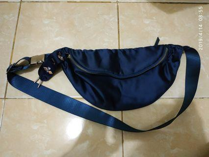 Stradivarius waistbag original