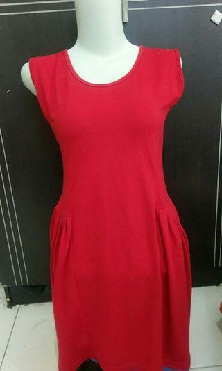 red dress spandek