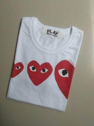T-shirt play with three heart