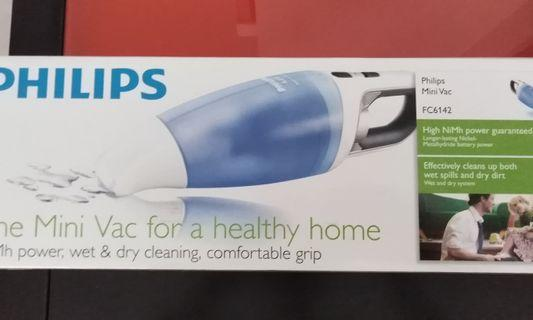 Philips mini vac FC6142 wet and dry rechargeable vacuum