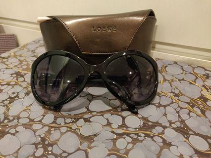 Loewe sunglasses 80% new