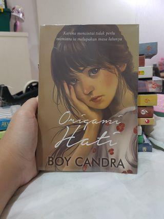 Novel Boy Candra Origami Hati