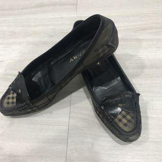 Burberry經典格紋平底鞋 7.5號24.5-25公分