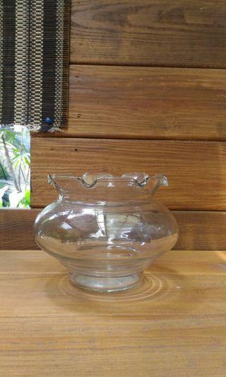 🚚 玻璃小魚缸一直徑18公分高10公分