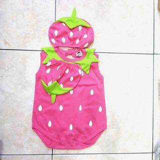 Baby costume strawberry