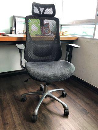 WTS Solos Office Arm Chairs