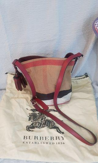 Burberry wine red sling bag