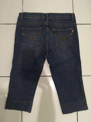 Celana pendek jeans anak perempuan