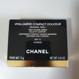 Chanel - Vitalumiere Compact Douceur - Refill