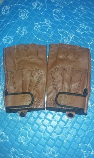 Sarung tangan kulit di jamin 100%