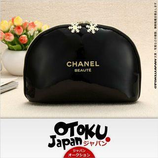 Chanel Beaute 聖誕限量版 雪花扣頭 化妝用品袋 ~ 專櫃VIP贈品