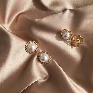 🚚 《早衣服》4月花滿園🌼赫本風復古優雅珍珠氣質金屬花邊耳針夾式耳環無耳洞耳夾(預)