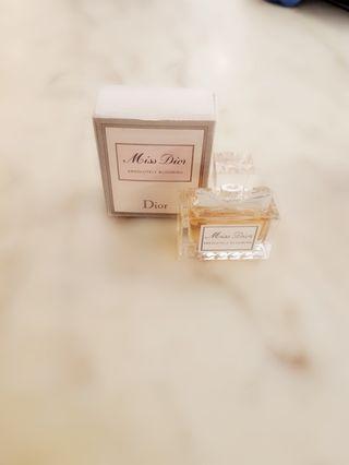 🚚 DIOR香水