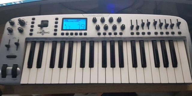 🚚 M Audio Ozonic Keyboard