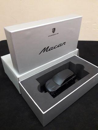 Porsche Macan Model