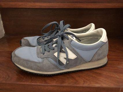 New Balance 420 running shoes