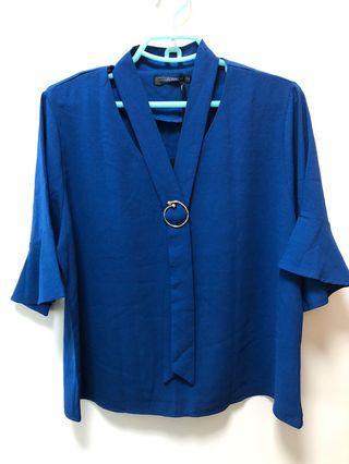 V 領 藍色上衣 全新
