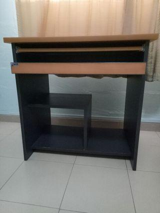 Computer Desk with pull out table