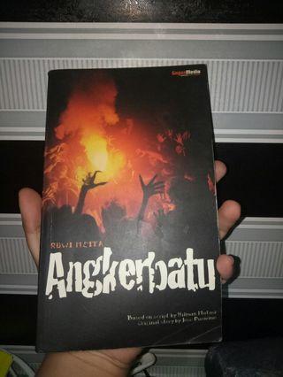 Novel Angkerbatu